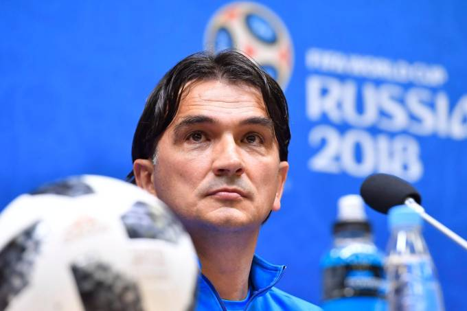 Copa do Mundo: Atacante da Croácia se recusa a entrar em campo e é cortado