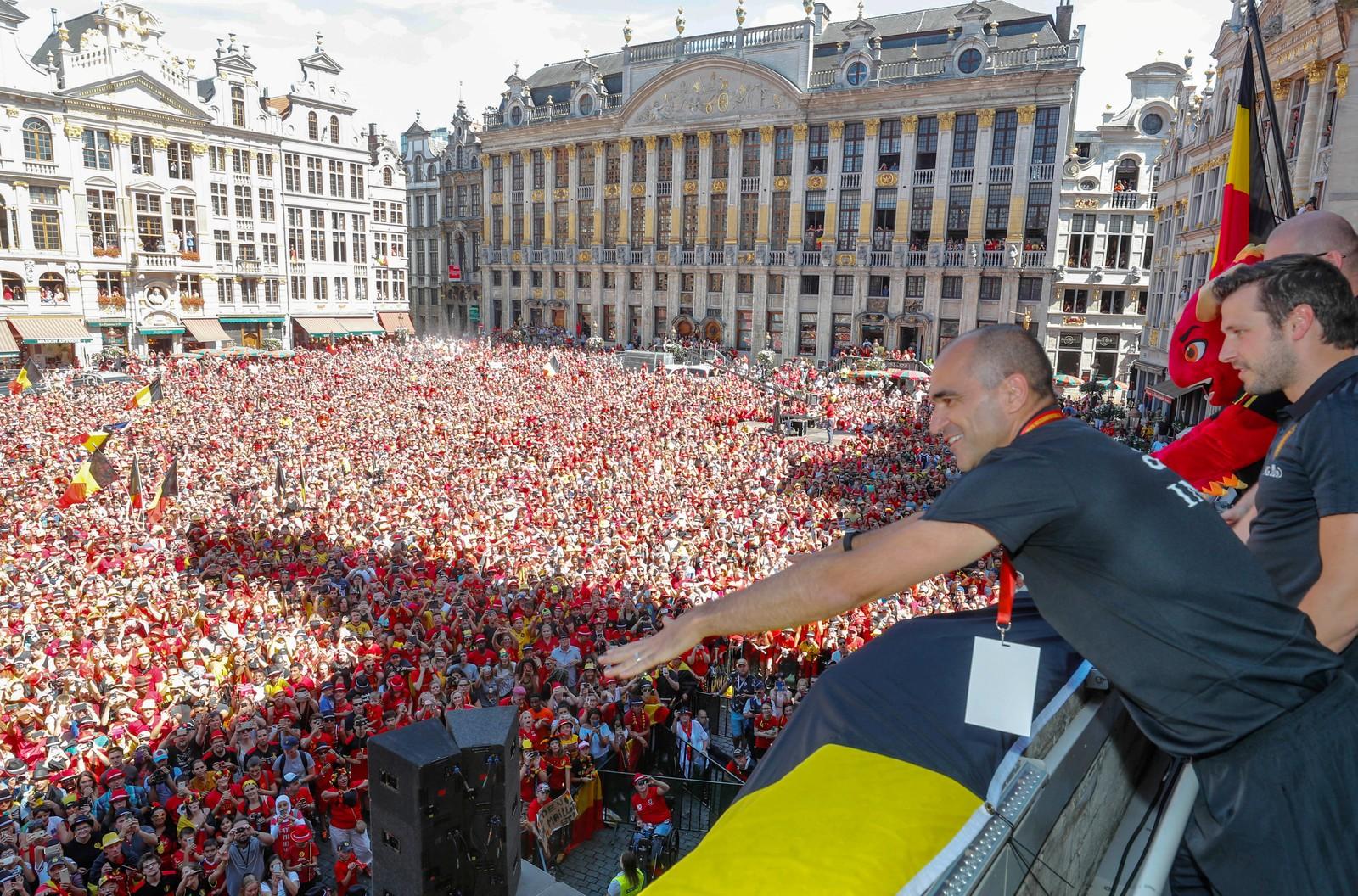 Tapete vermelho! Bélgica volta para casa com festa após terceiro lugar