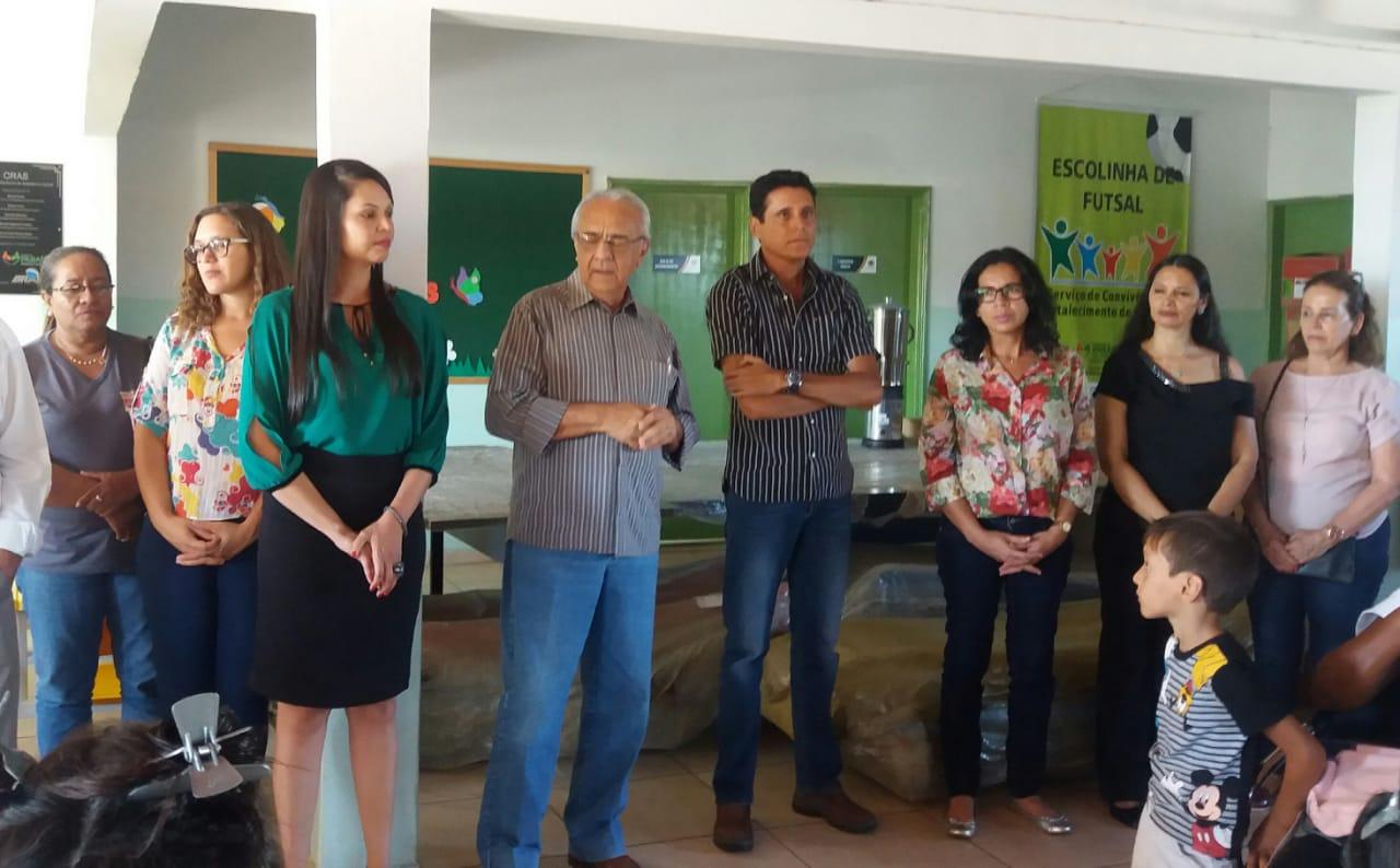 Prefeito Avelino e deputado Nilton Franco visitam obras sociais em Paraíso TO