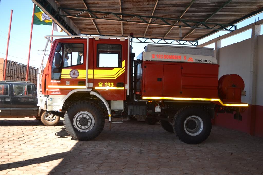 3ª Companhia de Bombeiros de Paraíso (TO) recebe caminhão para combate a incêndios florestais