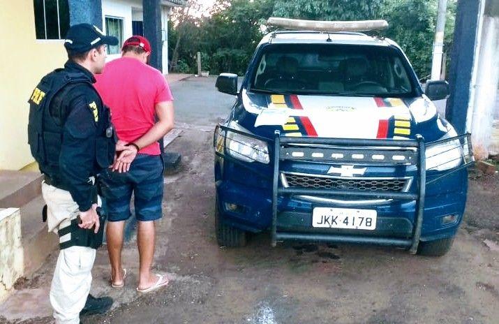 PRF prende homem por uso de documento falso na BR-226 no Tocantins