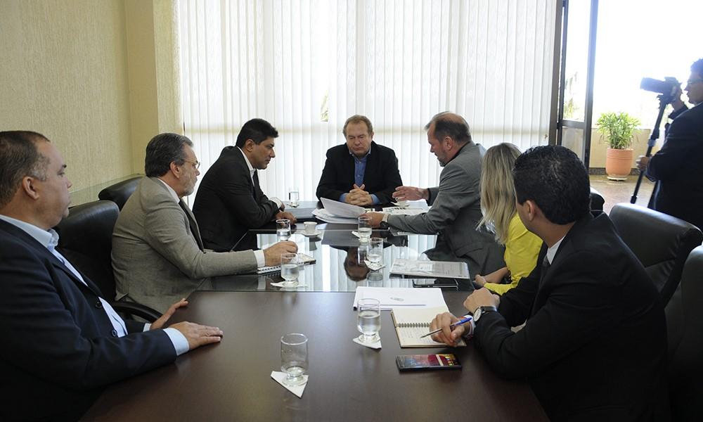 Governo do Tocantins e investidor discutem início das operações do Ecoporto de Praia Norte
