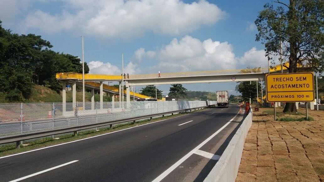 Comunidade de Queimados (RJ), recebe nova passarela sobre a via Dutra