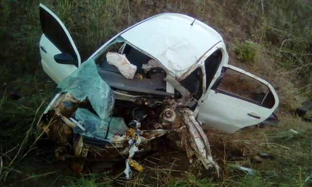 Médico cubano morre após carro bater de frente com caminhão em curva da TO-336