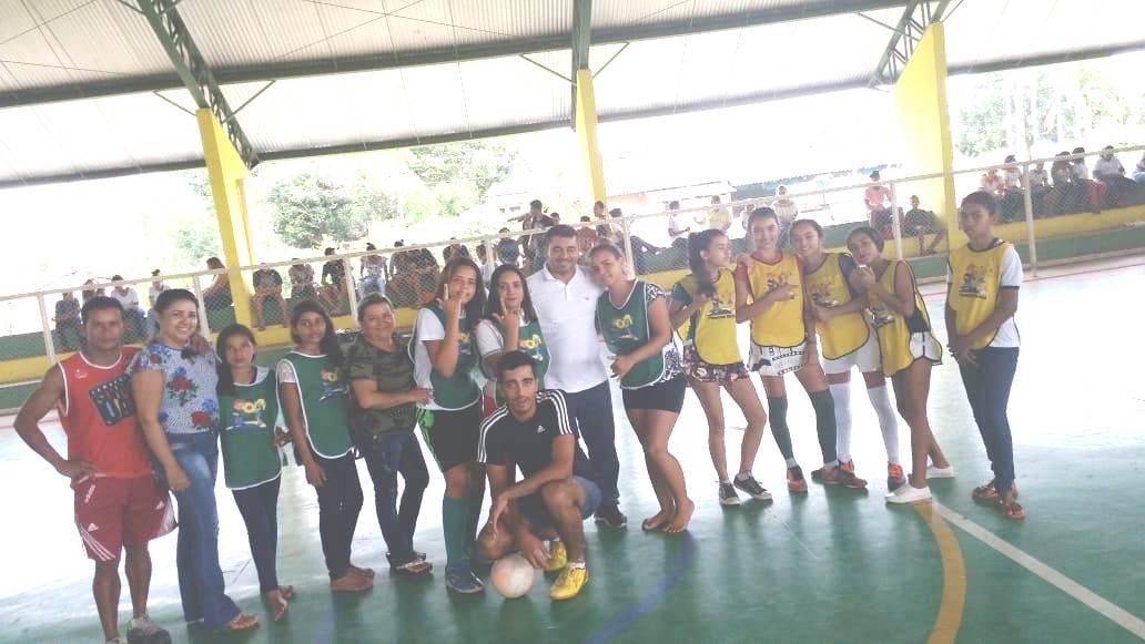 Alunos das escolas municipais de Monte Santo (TO) comemoram Dia do Estudante