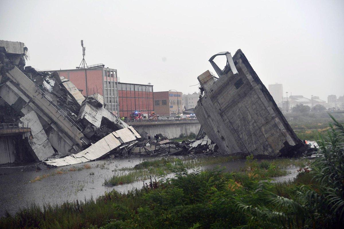 Ponte desaba em Gênova, na Itália, e ministro fala em tragédia