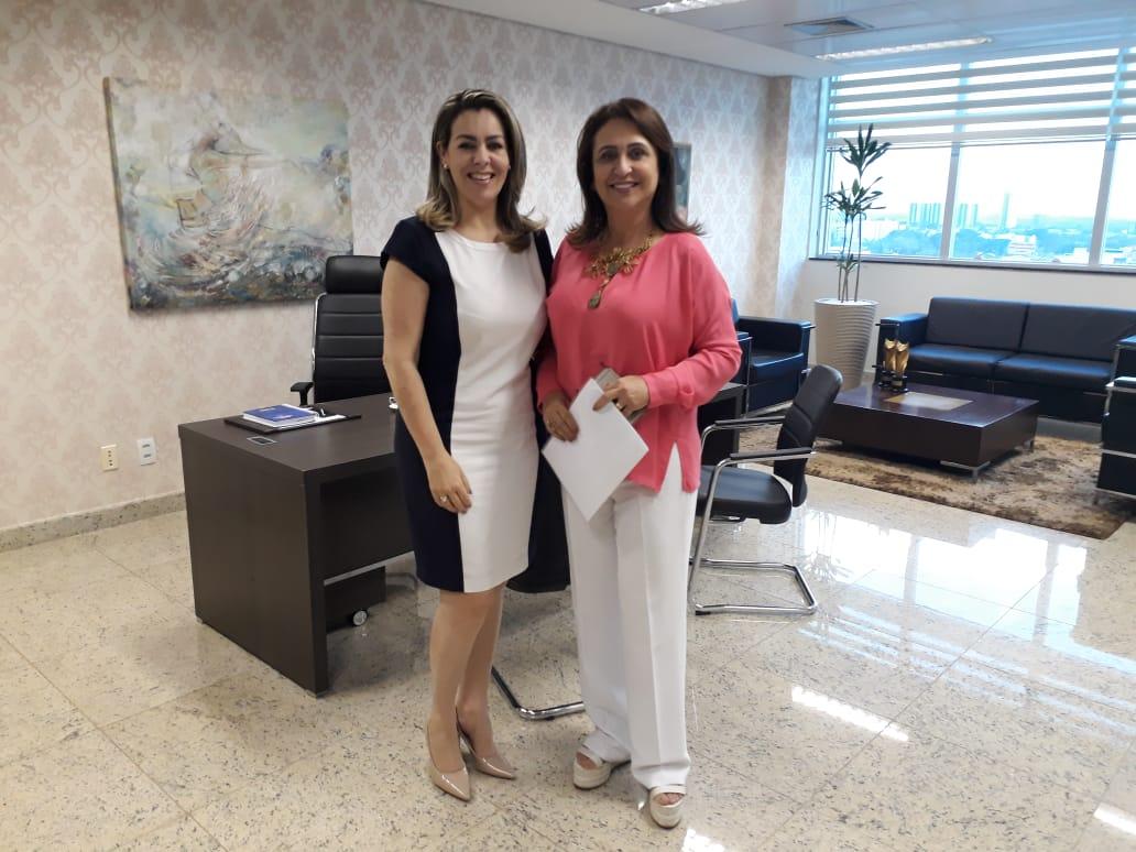 Kátia visita a Assembléia Legislativa e fala sobre o apoio suprapartidário pela eleição de Ciro Gomes