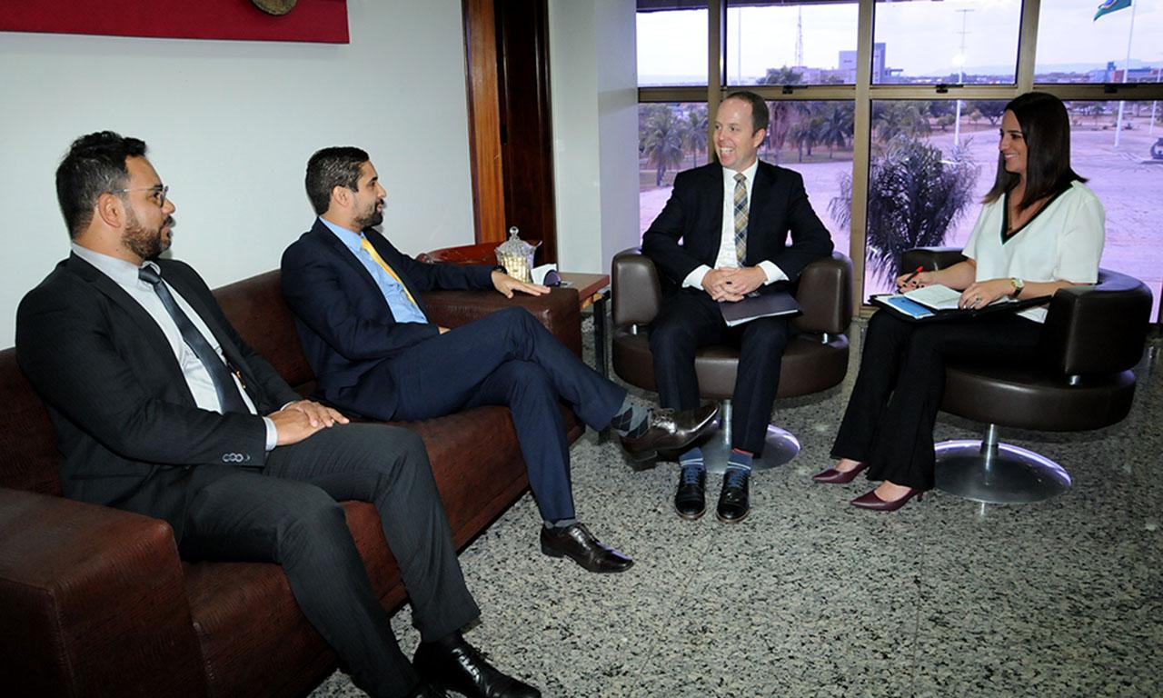 Vice-cônsul da embaixada dos EUA visita o Tocantins
