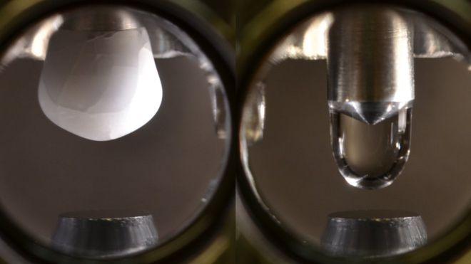 Como uma cientista criou a gota de água mais pura do mundo
