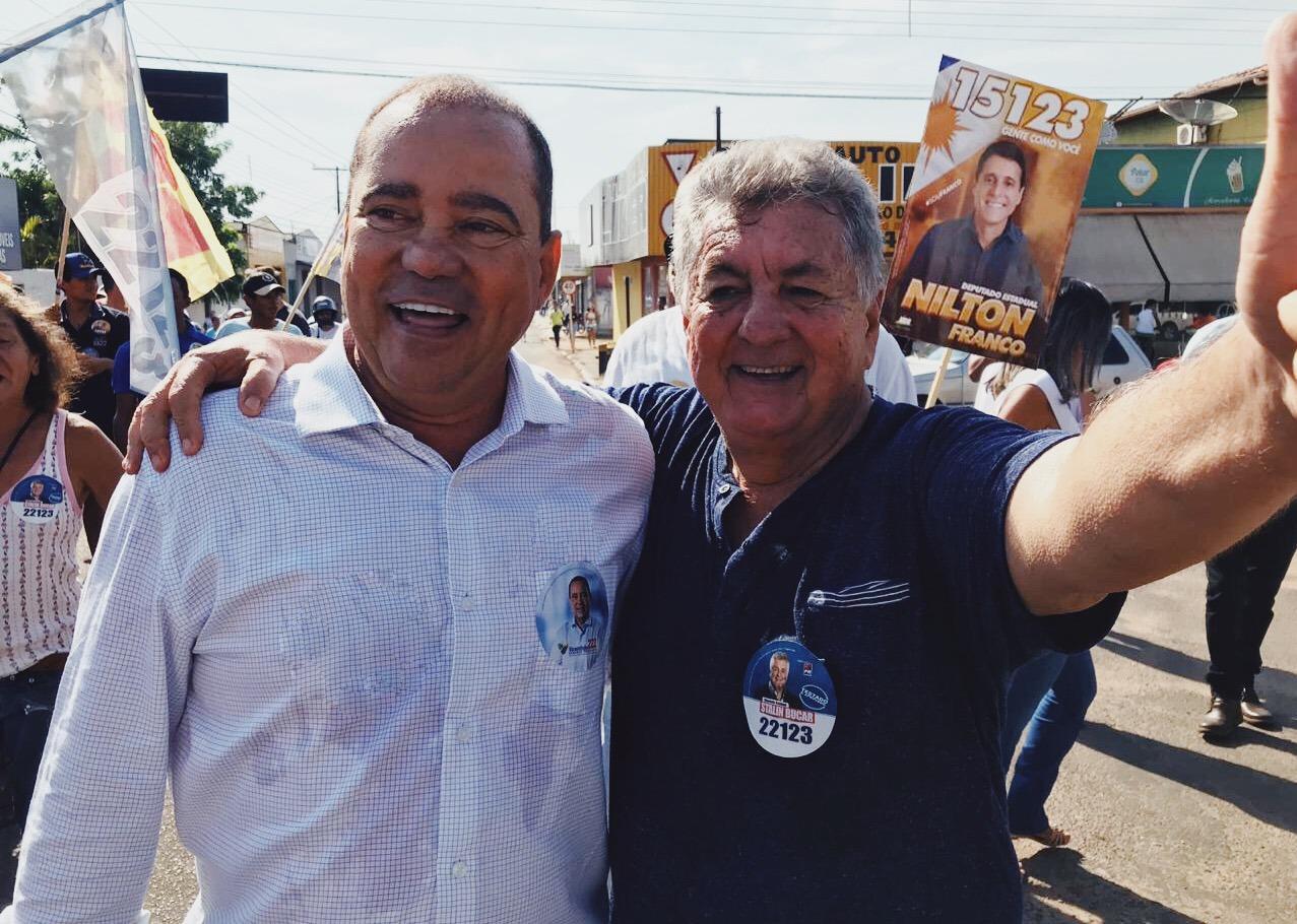 Ao lado do prefeito Saulo Milhomem e do deputado Stalim Bucar, Vicentinho ganha apoio dos miracemenses em caminhada