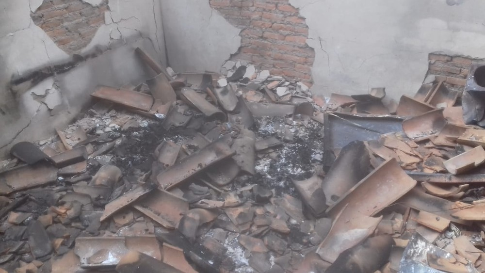 Gás encontrado em quarto pode ter sido usado para queimar corpos de pai e filho em chácara