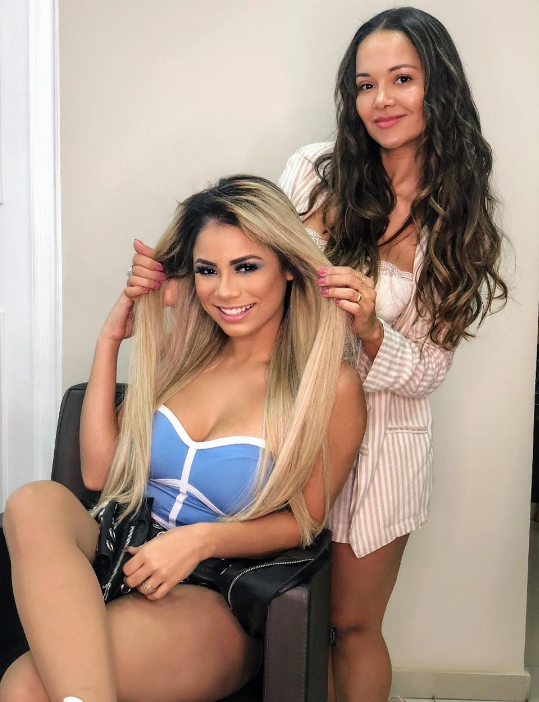Lexa implanta cabelos russos e anuncia  a virada para 2019