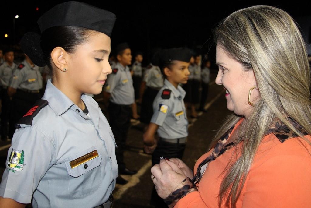 Cerca de 300 alunos do Colégio da PM em Palmas recebem condecorações por mérito intelectual e disciplinar