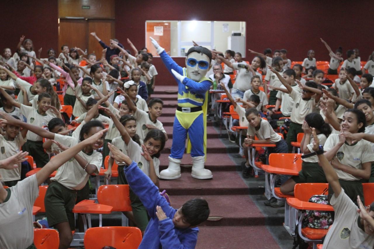 Crianças de escola pública de Palmas são beneficiadas com ação da Semana Nacional do Trânsito 2018