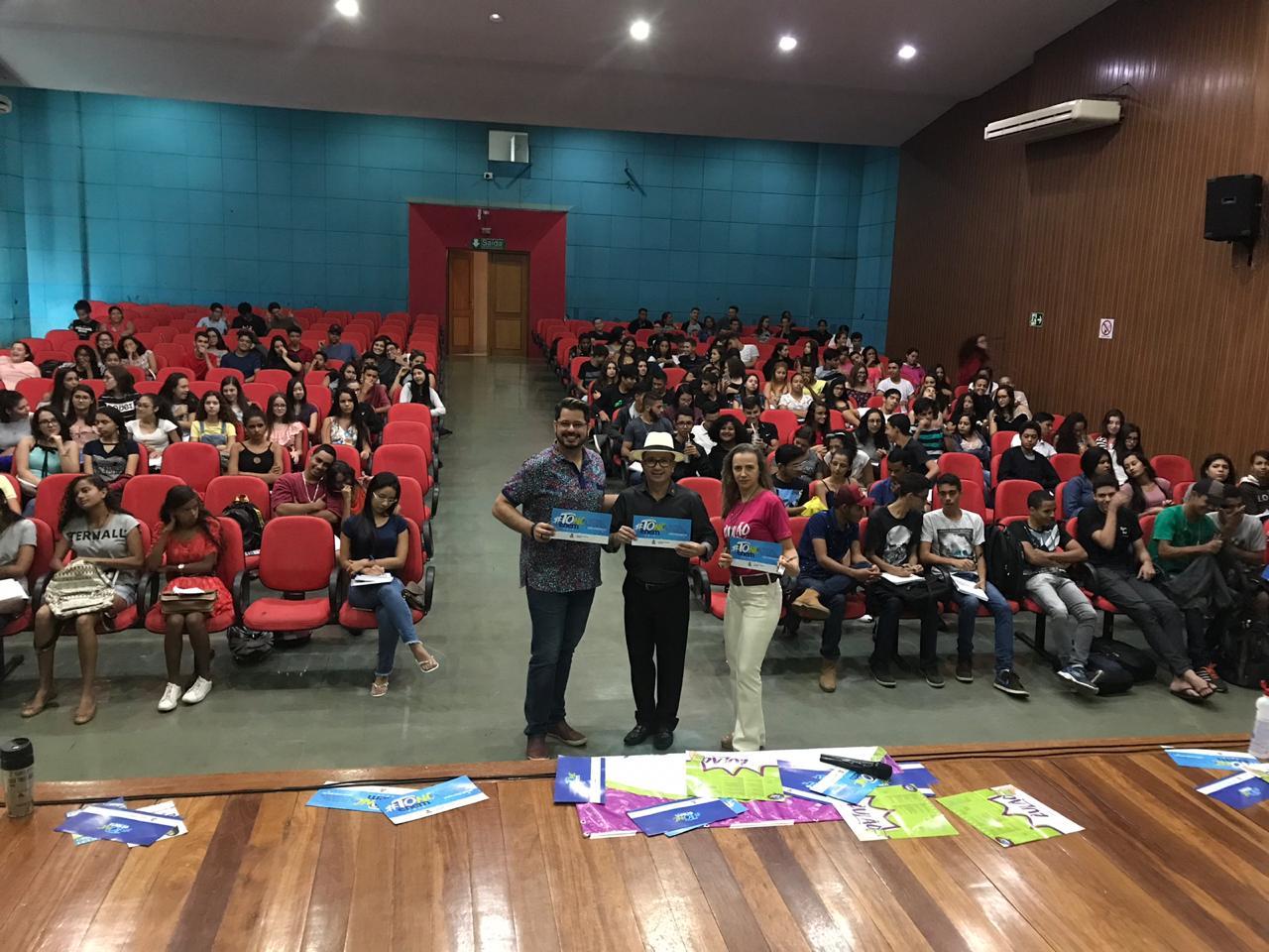 Alunos da rede estadual participam de penúltimo aulão antes das provas do Enem 2018