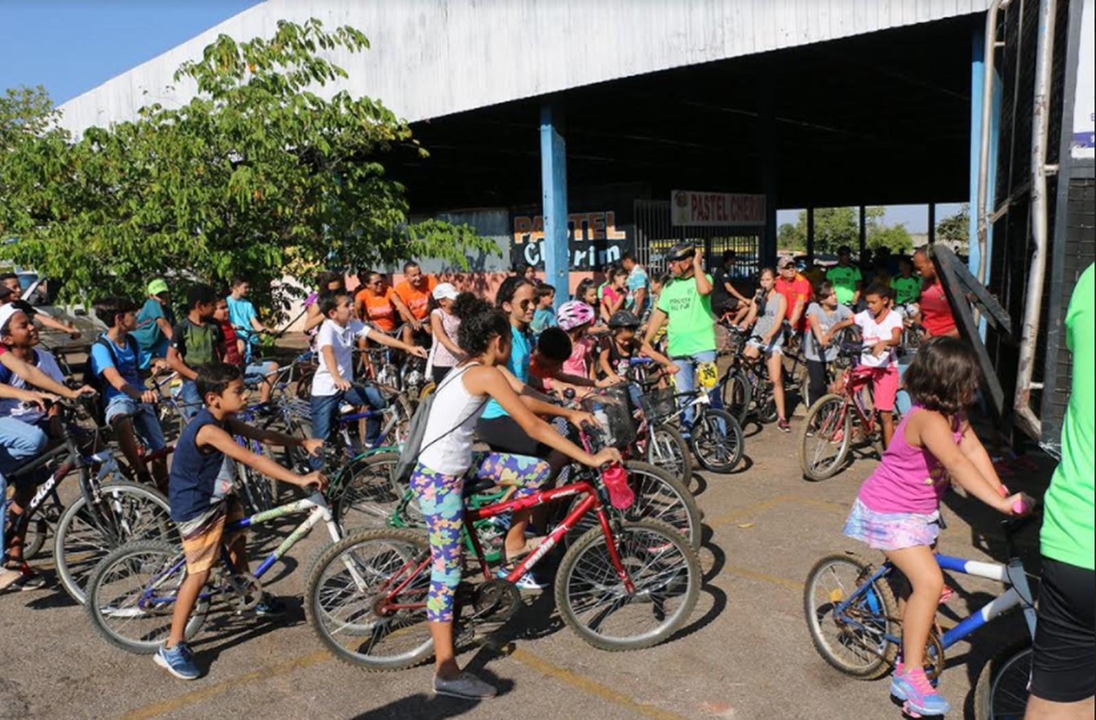 Polícia Militar faz passeio ciclístico contra as drogas na região sul de Palmas