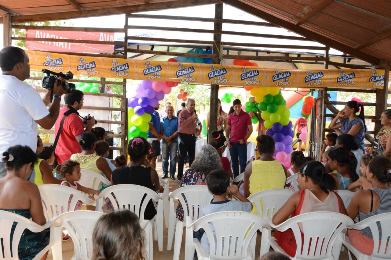 Prefeitura celebra o dia das Crianças em invasão do Jardim América