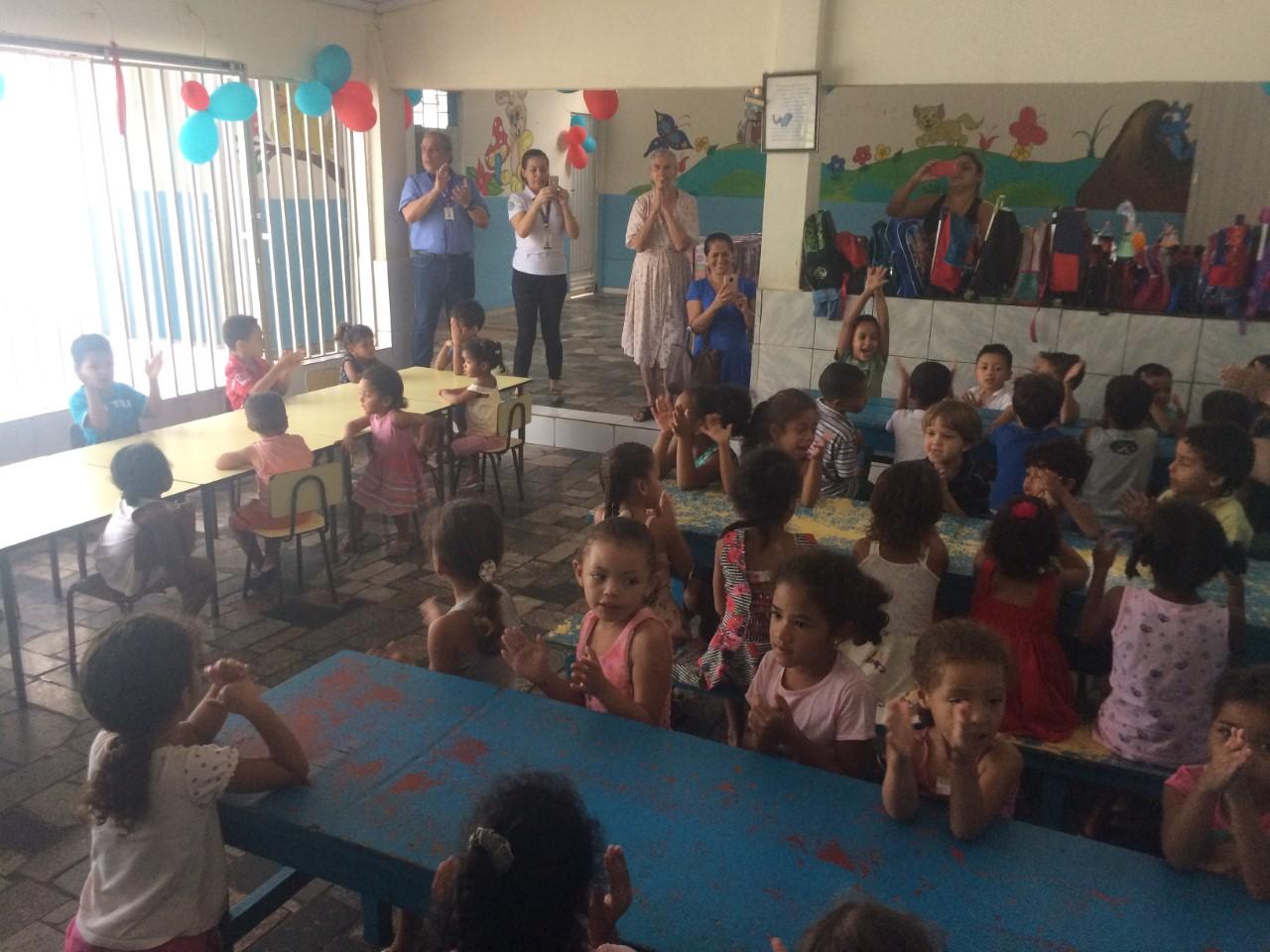 Trabalhadores da construção civil organizaram ação filantrópica em creche de Aparecida de Goiânia
