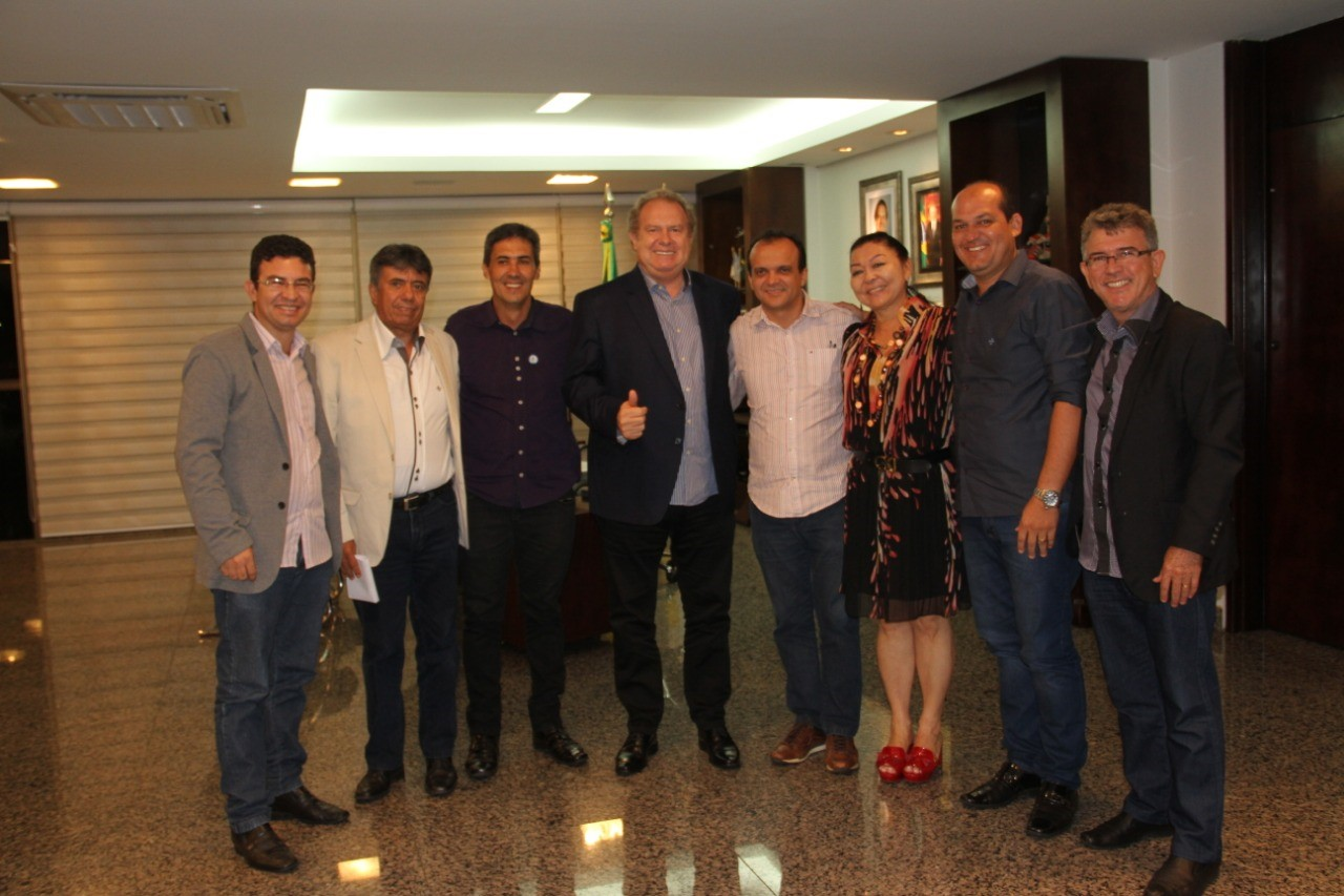 Joaquim Maia se reúne com Governador e Prefeitos do Consórcio do Lago para tratar da manutenção de estradas vicinais