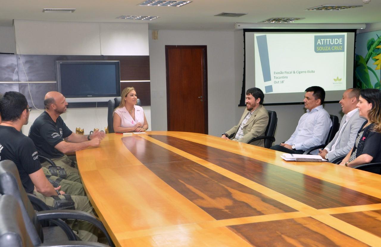 Luana promove parceria entre Souza Cruz e Polícia Civil