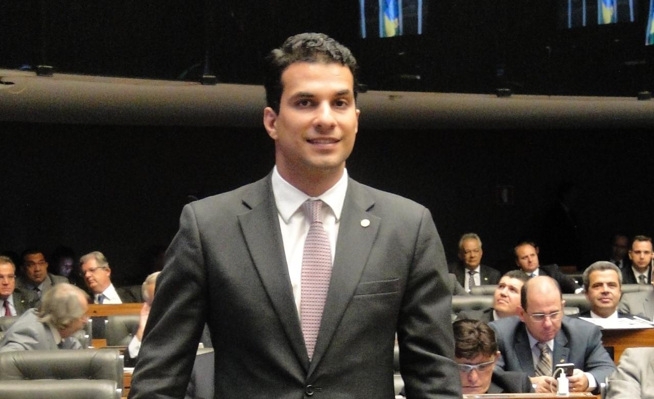 Deputada Amália Santana propõe Moção de Aplausos para Irajá Abreu