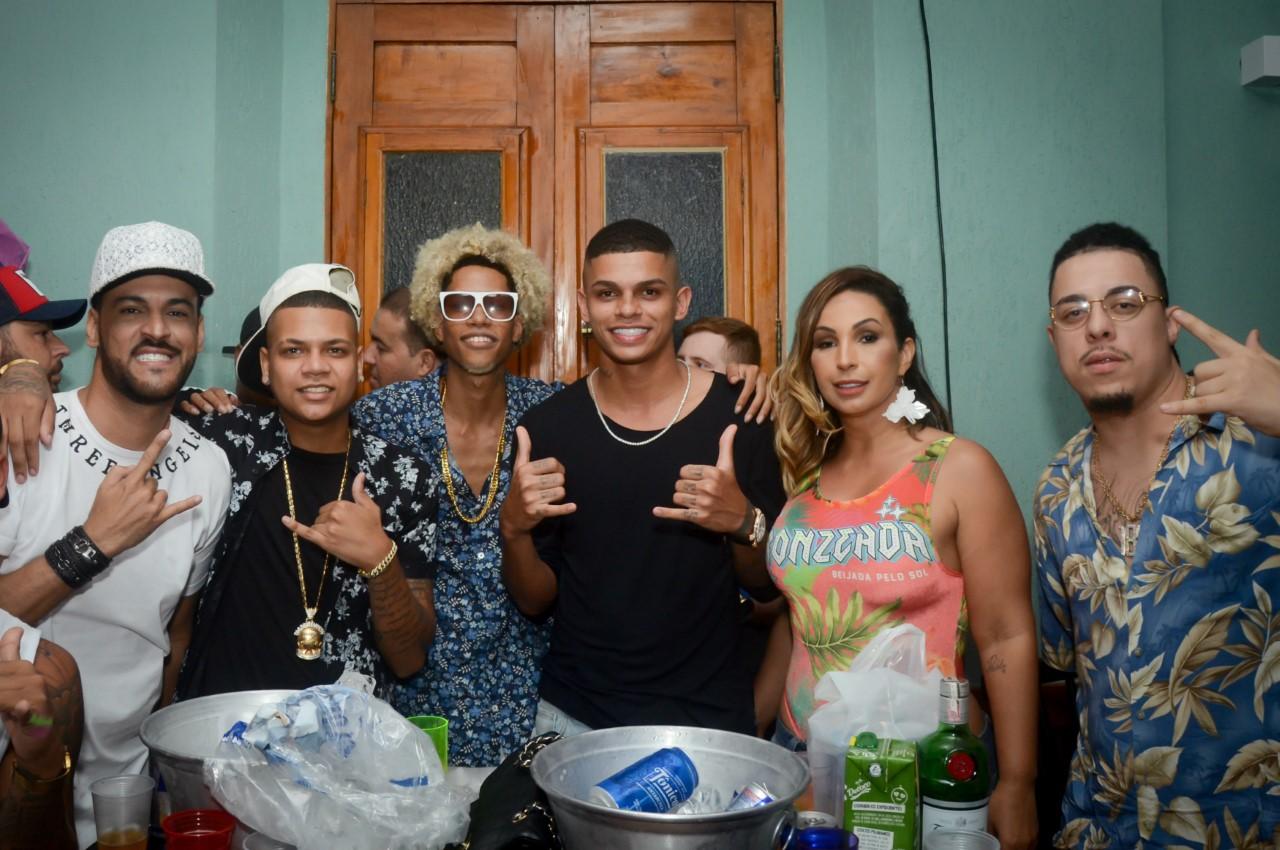 DJ FP do Trem Bala comemora aniversário ao lado de vários amigos Mcs e Djs