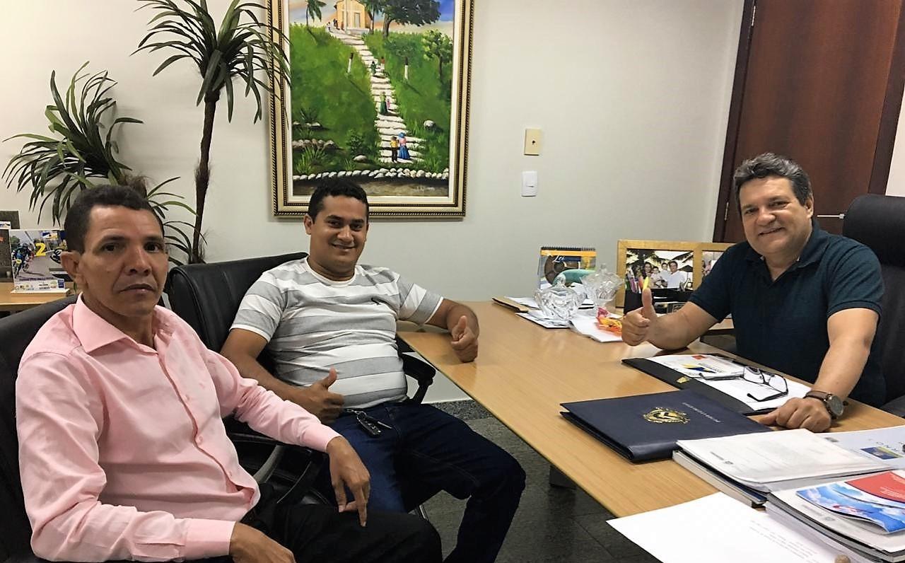 Damaso recebe demandas de vereadores de Araguatins
