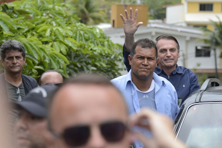 Condomínio de Bolsonaro no Rio vira local turístico
