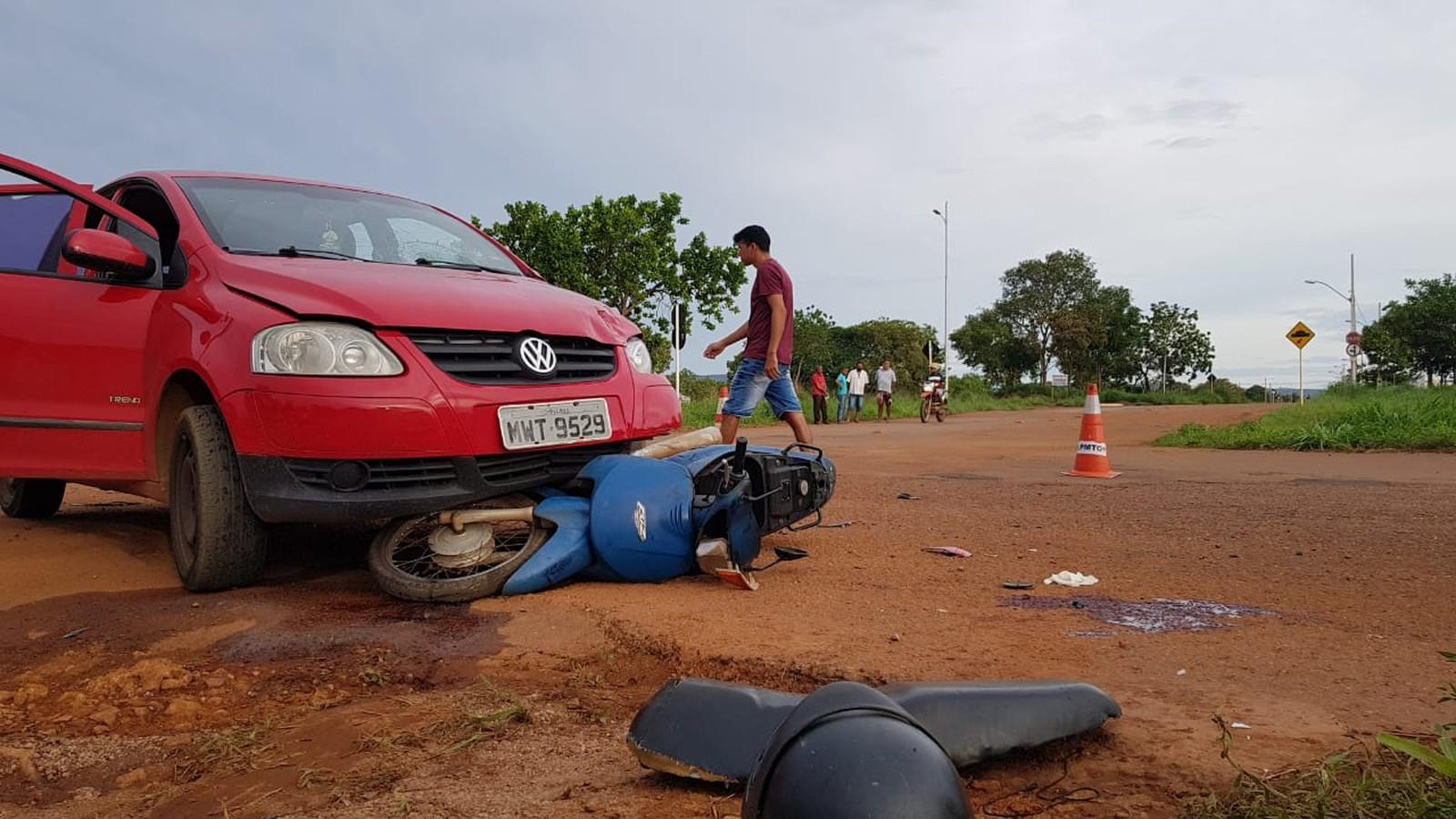Motociclista tem perna esmagada após acidente em cruzamento de Palmas