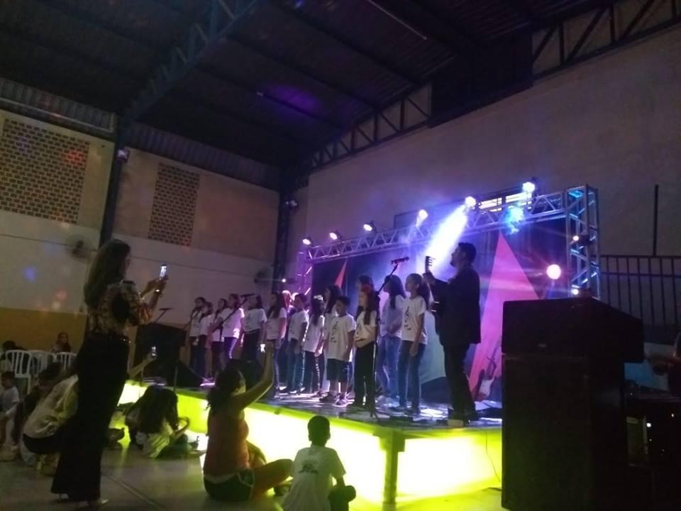 Alunos apresentam talentos desenvolvidos no Projeto de Iniciação Musical da Escola Raio de Sol em Paraíso (TO)
