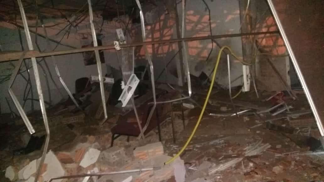 Assaltantes explodem caixa eletrônico e atacam a PM em Araguacema (TO)
