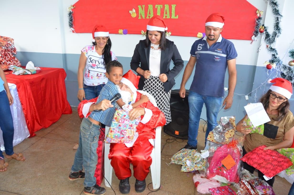 CRAS Esperança comemora a chegada do Papai Noel