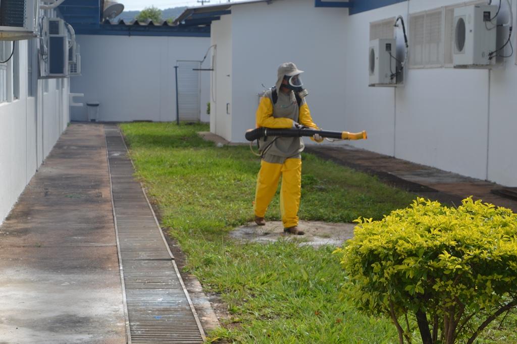 Vigilância Epidemiológica de Paraíso (TO) realiza combate a mosquitos no HRP