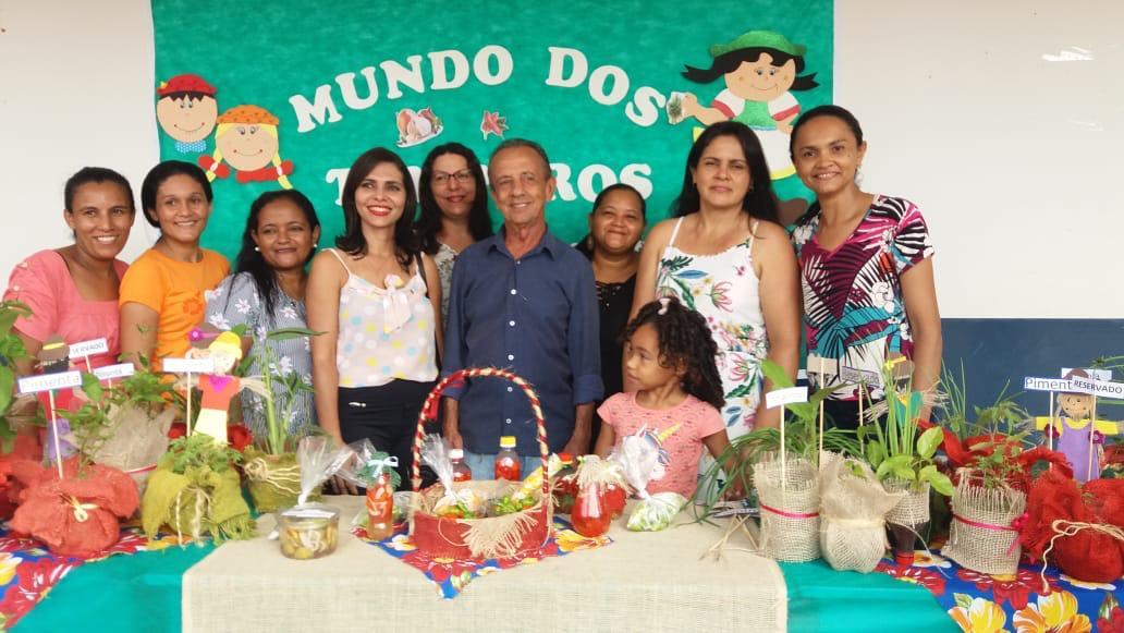 Escolas municipais de Lagoa da Confusão sediaram feira de jovens empreededores