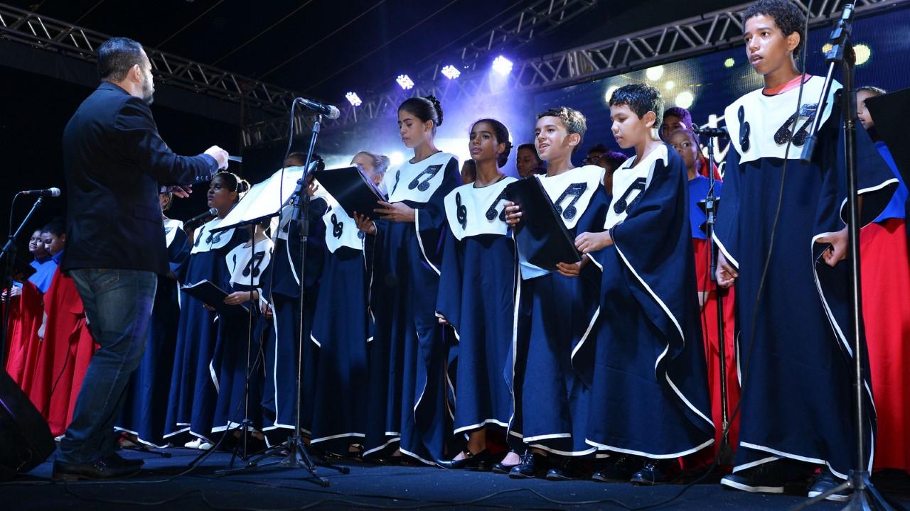 Escolas Municipais se apresentam no Natal Cidade Encantada neste fim de semana