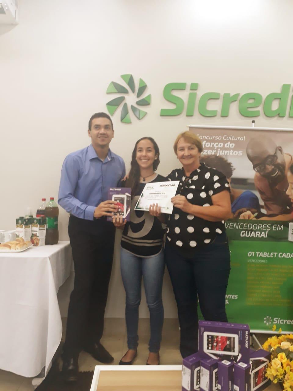 Sincredi promove Concurso cultural e premia 58 alunos da rede estadual com tablets e notebooks