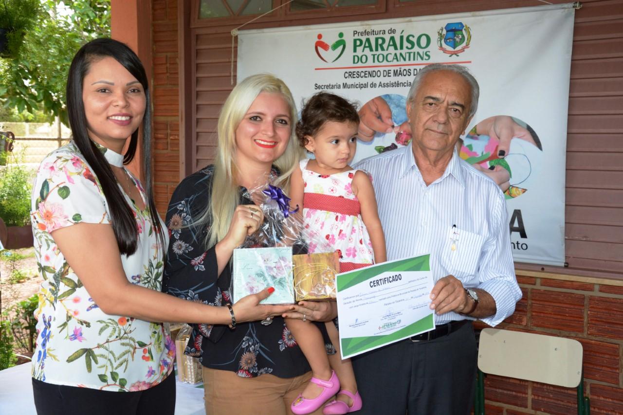 20 mulheres de Paraíso recebem certificados de mais um curso oferecido pela Administração Municipal