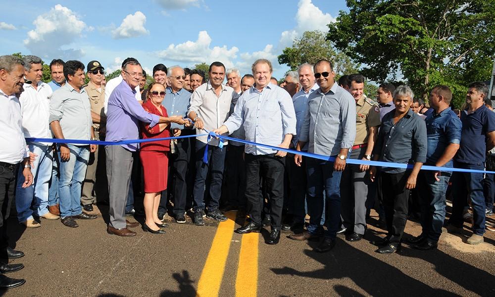 Mauro Carlesse afirma que rodovia levará desenvolvimento a Chapada de Areia