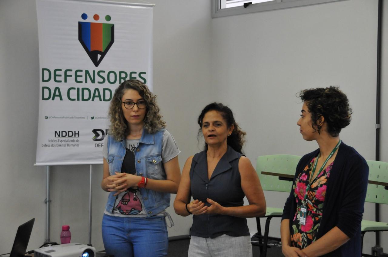 Atuação profissional na defesa dos direitos humanos  é abordada com estudantes de Jornalismo da UFT