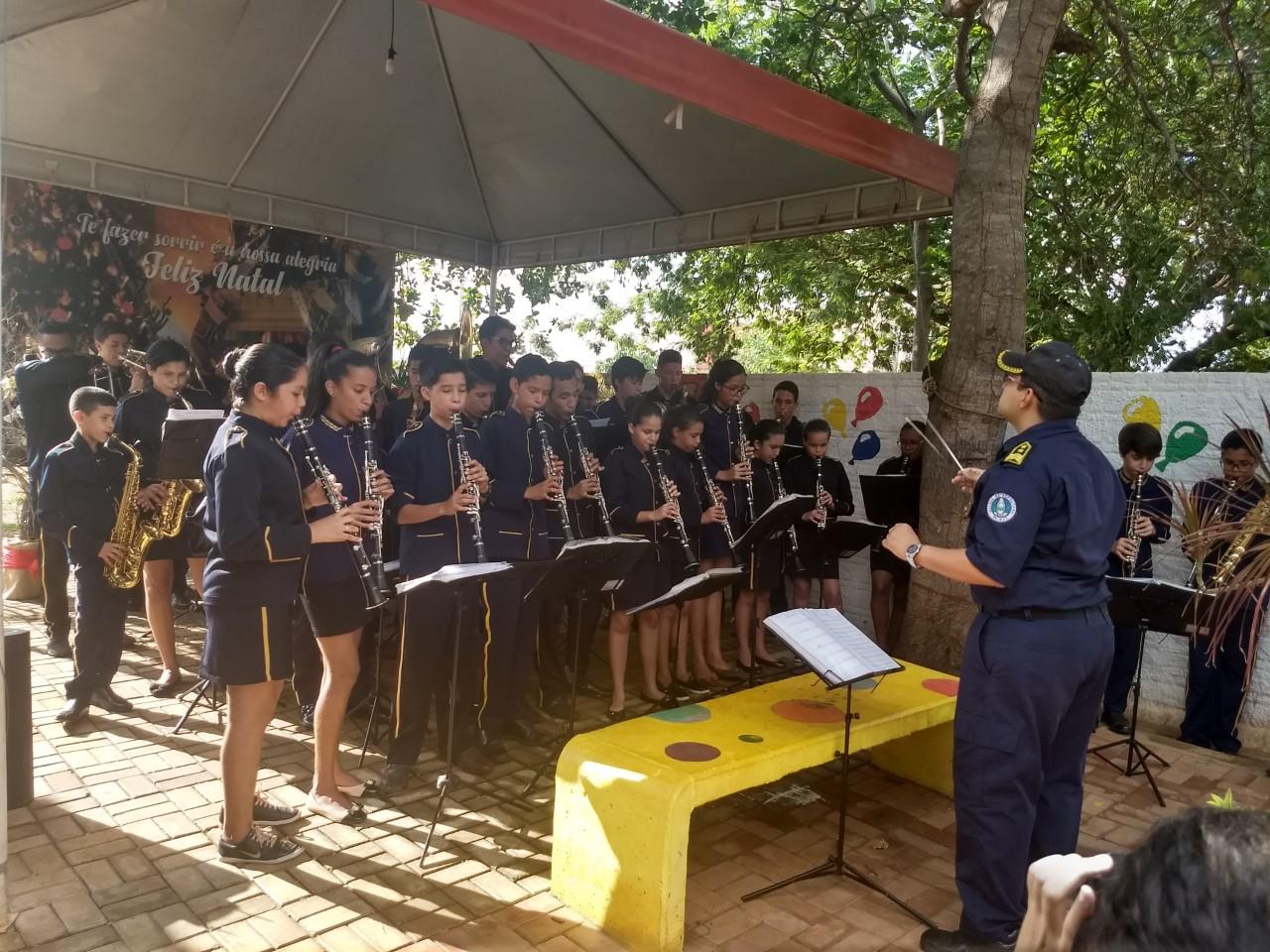 Orquestra Jovem da GMP leva música às crianças do Hospital Infantil de Palmas