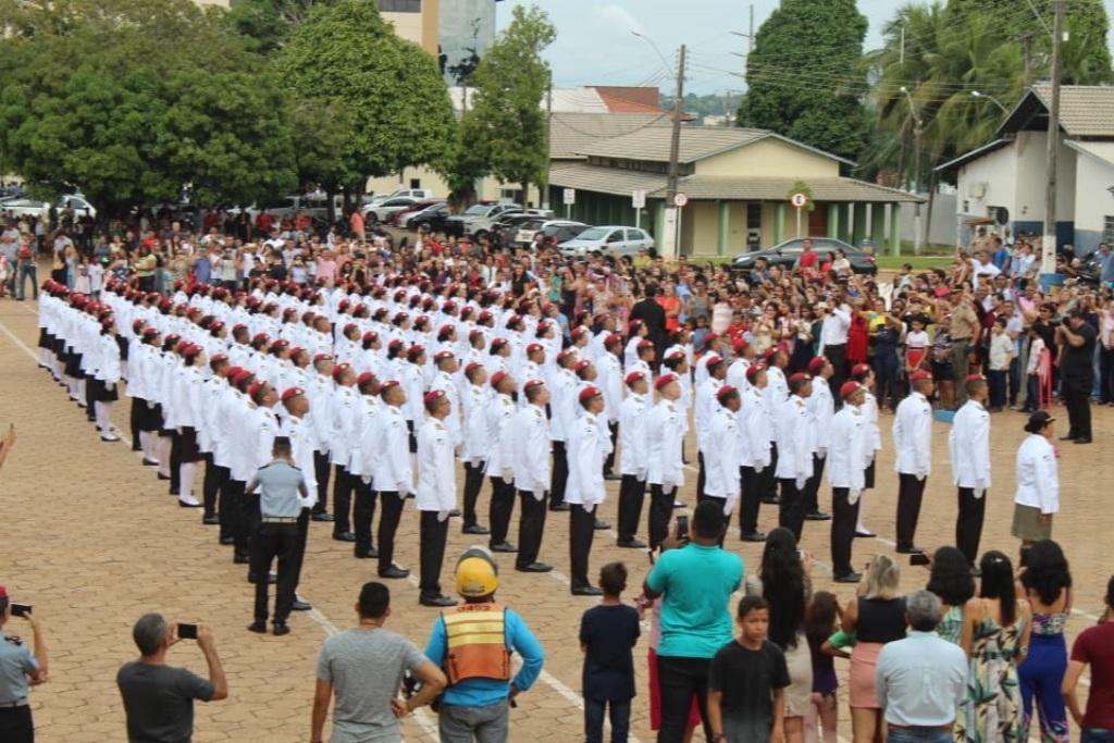 Polícia Militar realiza formatura de 128 alunos do 3º Ano do ensino médio do CPM de Araguaína