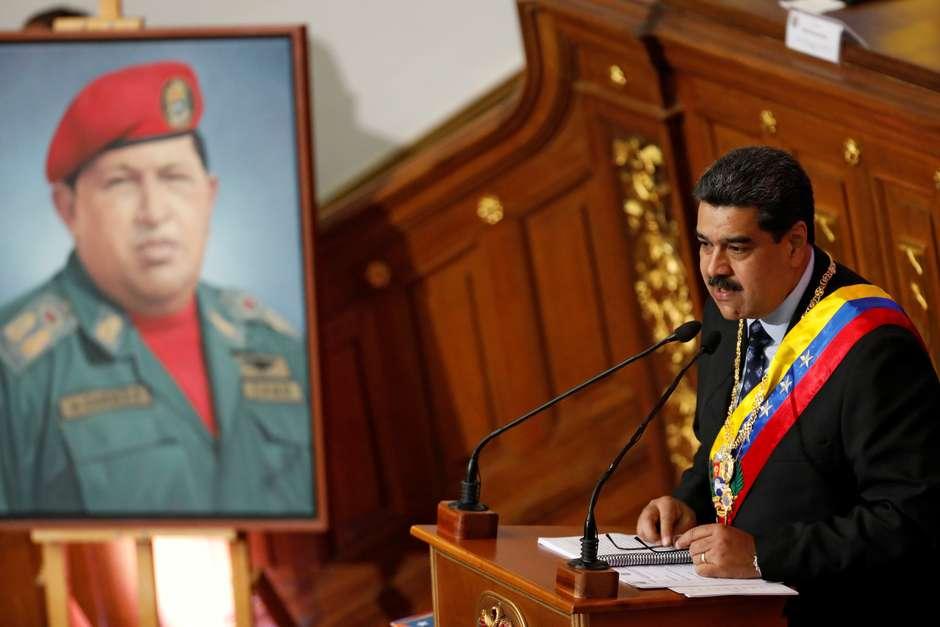 """""""Bolsonaro é Hitler!"""", afirma Maduro em meio a tensão"""