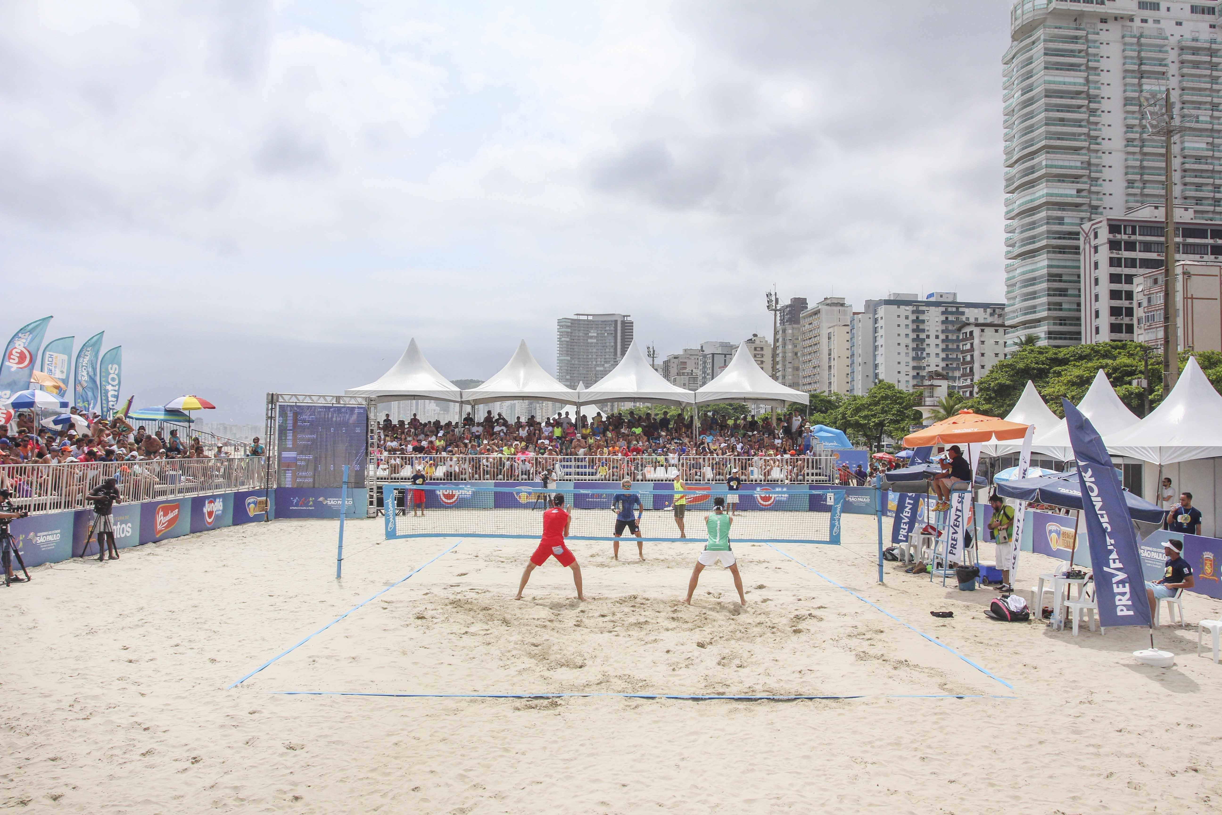 Arena Verão: ITF de Beach Tennis reúne os melhores do mundo em Guarujá