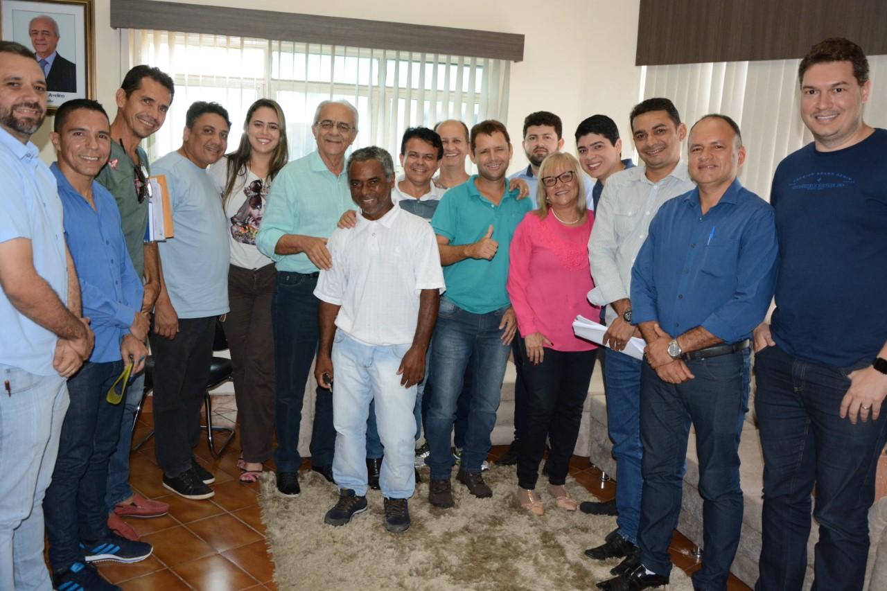 Prefeito Moisés Avelino recebe vereadores para reunião de trabalho nesta Sexta-feira