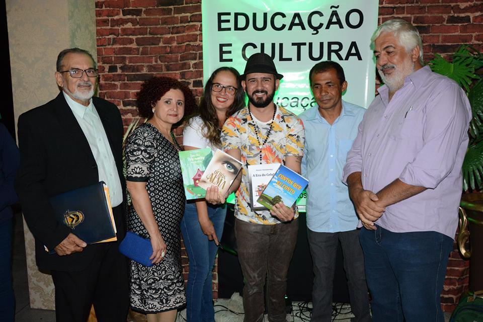 Membros da Academia de Letras de Paraíso prestigiam Aula Inaugural e palestra de Bráulio Bessa em Paraíso (TO)