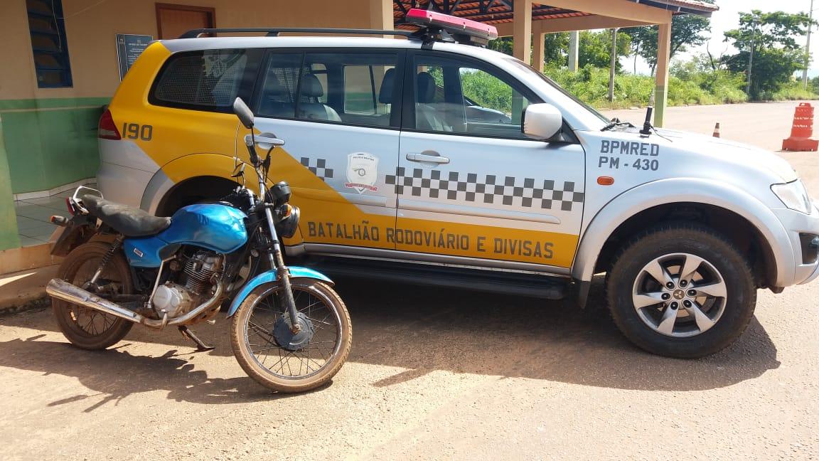 Polícia Militar identifica fraude em CNH e recupera veículo com registro de furto/roubo em rodovia estadual