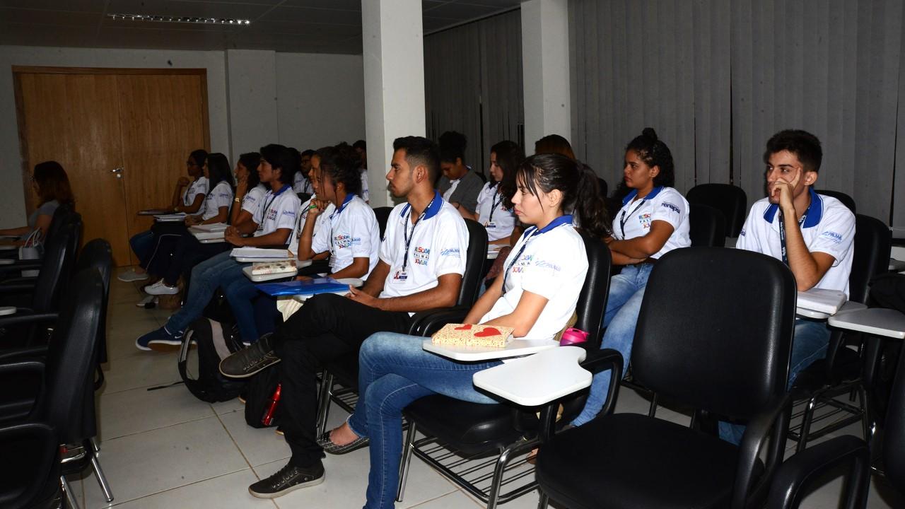 Parceria da Prefeitura com Renapsi capacita aprendizes para primeira experiência profissional