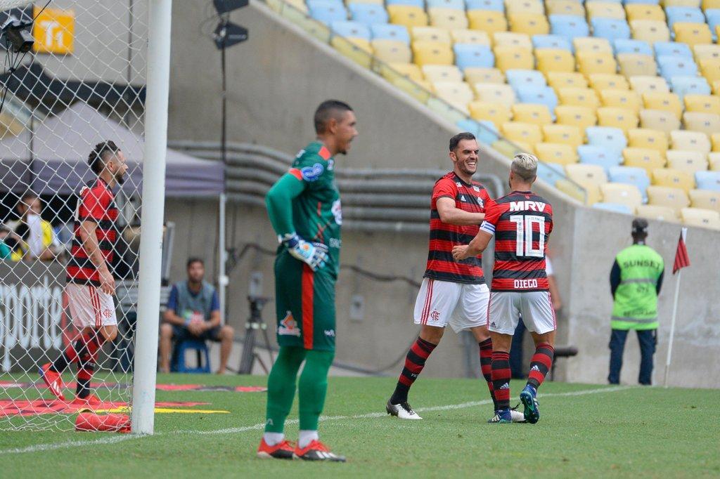 Titular nos últimos sete jogos do Flamengo, Rhodolfo comemora sequência após marcar o seu quarto gol pelo clube