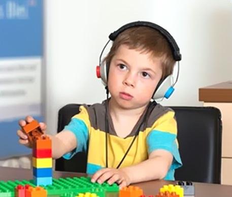 Problemas na audição podem prejudicar a criança na escola