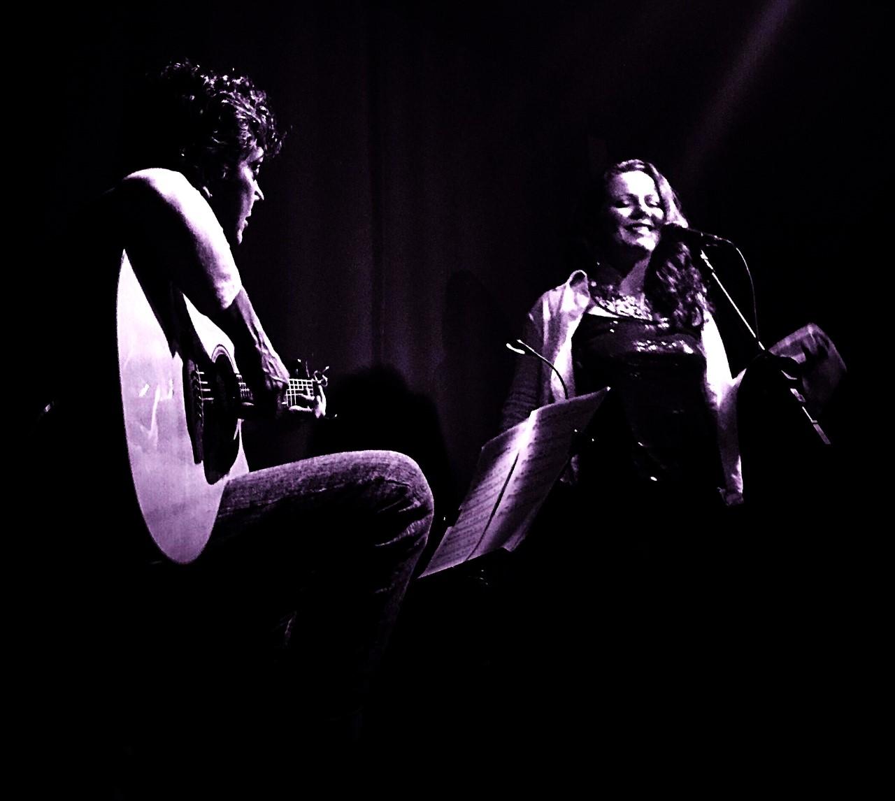 Gaia Art & Café promove show do duo BlueSongs dias 17 e 18 de janeiro